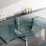 Стильные стеклянные раковины для ванной комнаты