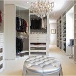 Красивая и удобная гардеробная комната