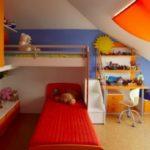 Как обустроить детскую комнату на мансарде