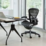 Для чего нужен механизм качания в офисном кресле