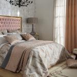 Правила сочетания постельного белья и штор