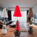 Современные торшеры в интерьере комнат, тренды дизайнеров