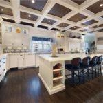 Кассетные потолки в интерьере: виды, преимущества