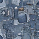 Креативная идея обоев для стен из старых джинсов