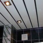 Отделка потолка панелями: технология и особенности