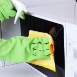 Как легко очистить микроволновую печь