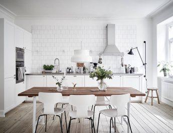 Отзыв о белой кухне, почему много плюсов и мало минусов