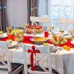 Какие скатерти лучше всего подходят для сервировки новогоднего стола