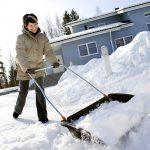 Простые способы как ускорить очистку снега