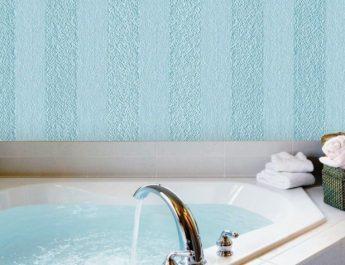 Стоит ли использовать стеклообои в ванной
