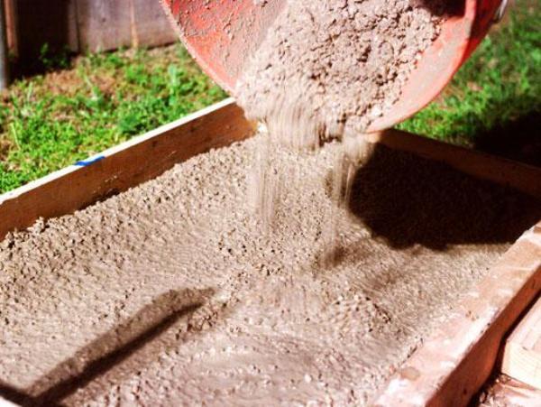 песок и цемент для фундамента