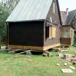 Как можно установить свайно-винтовой фундамент под старый дом