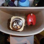 Как устранить проблему с образованием конденсата на бачке унитаза