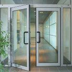 Почему не стоит заказывать двери из алюминиевого профиля