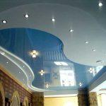 Как правильно использовать и выбрать натяжные потолки