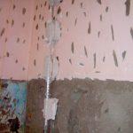 В каких случаях нужны насечки на стену перед оштукатуриванием