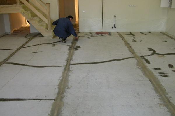 Как залить цементным раствором пол бетон тактика