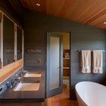 Почему деревянный реечный потолок нежелательно устанавливать в ванной