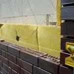 Как выбрать подходящий утеплительный материал под облицовочный кирпич