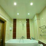Что гораздо выгоднее натяжного потолка для ванной комнаты