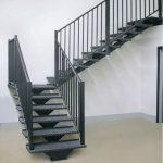 Какая лестница лучше: деревянная или металлическая