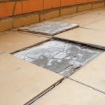 10 скрытых дефектов в отделке стен и потолка, которые сложно обнаружить сразу