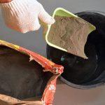 Как сэкономить на расходе клея для плитки без ущерба качеству укладки