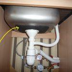 Какие ошибки монтажа приведут к неприятному запаху из мойки на кухне