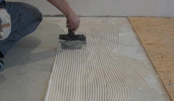 """Почему плиты ОСБ нельзя """"сажать"""" на клей при обшивке стен"""