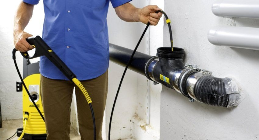 Самые популярные способы избавиться от засоров канализации