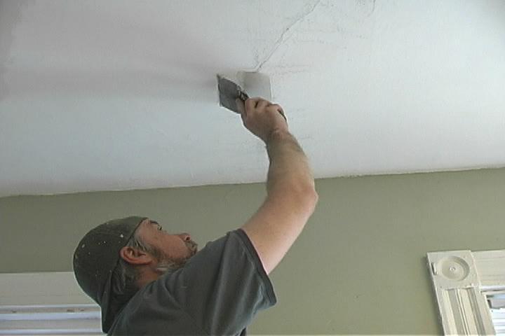 Откуда появляются трещины на потолке и как их предотвратить