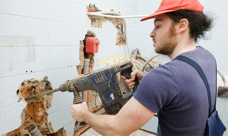 В какое время по закону нельзя проводить ремонтные работы в квартире