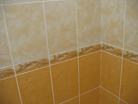 Грязные швы у плитки в ванной, легкий способ как помыть
