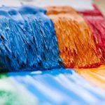 Почему краска липнет после высыхания