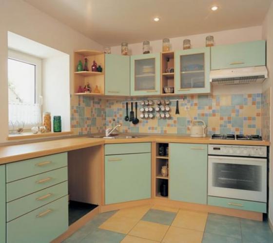 Как отделать стены кухни и ванной почти задаром