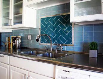 5 красивых идей укладки плитки на кухне