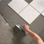 Лучший способ уменьшить расход плиточного клея