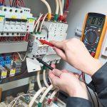 5 уловок чтобы выбрать электрика на ремонт проводки и не потратить деньги впустую