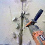Как сделать штробу под проводку без перфоратора