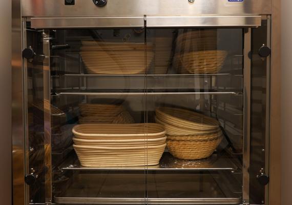Правила выбора расстоечного шкафа для пекарни