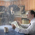 Почему протекает крыша дома во время дождя