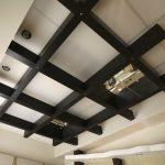 Как замаскировать кривизну потолка, которую нельзя исправить