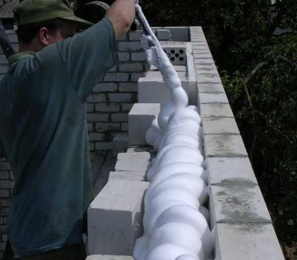 Что делать, если залил стройматериал монтажной пеной