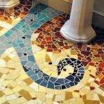 Почему новичкам не стоит браться за укладку колотой мозаики