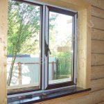 Стоит ли ставить пластиковые окна в деревянном доме