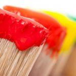 Простой лайфхак для легкого удаления излишков краски с малярной кисти
