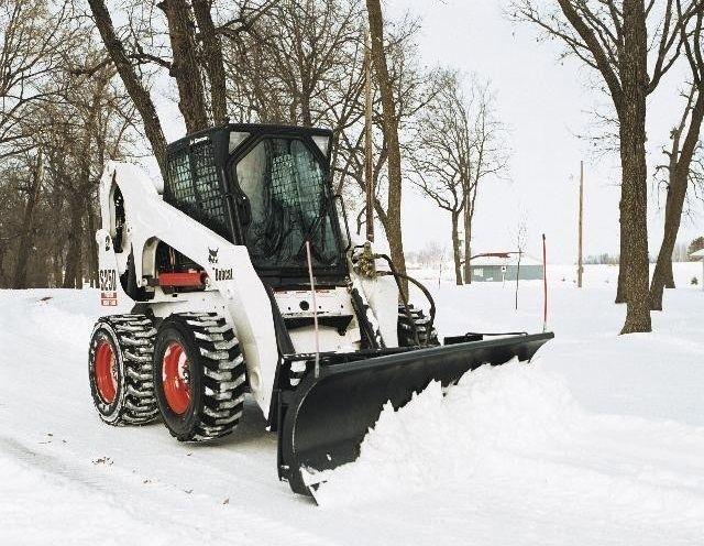Какая техника применяется для вывоза снега