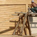 Что нужно учесть при выборе пропитки для дома из деревянного бруса