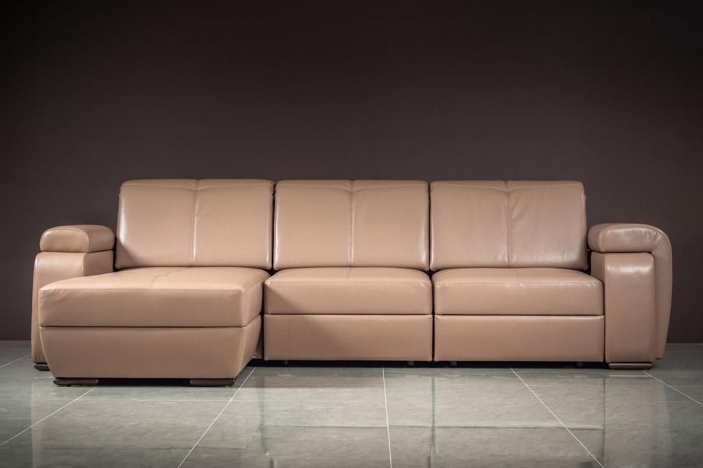 Преимущества и недостатки кожзаменителя как обивки для мягкой мебели