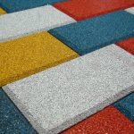 Тротуарная резиновая плитка: эксплуатационные преимущества